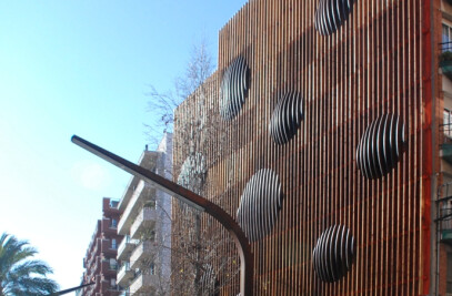 Refurbishment of an Urban Wall in Barcelona
