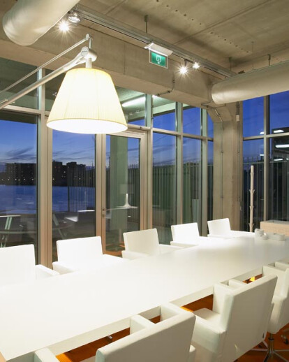 Office and presentation room FLOS