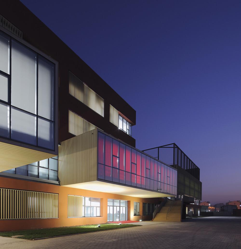 County Elementary School