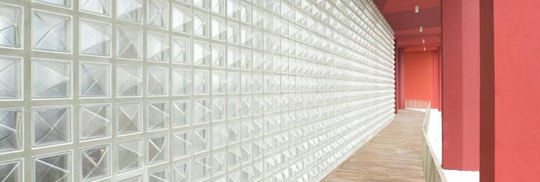 Q30 Diamante glass surface