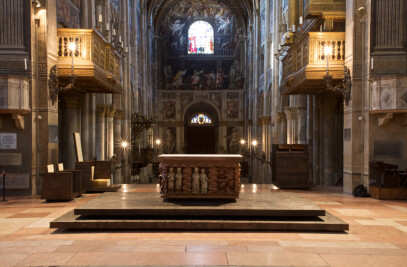 New design of the altar and transept of Parma Cathedral