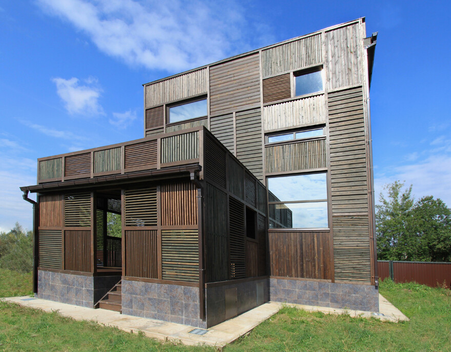 """Russian Wood Patchwork House: """"dacha"""""""