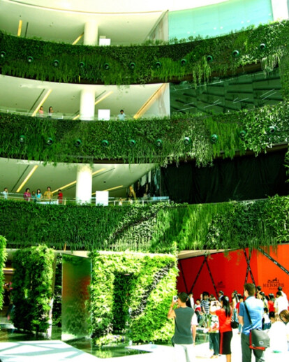 The Vertical Garden, from nature to cities