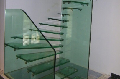 Trescalini - Skystep Gravity glass staircases.