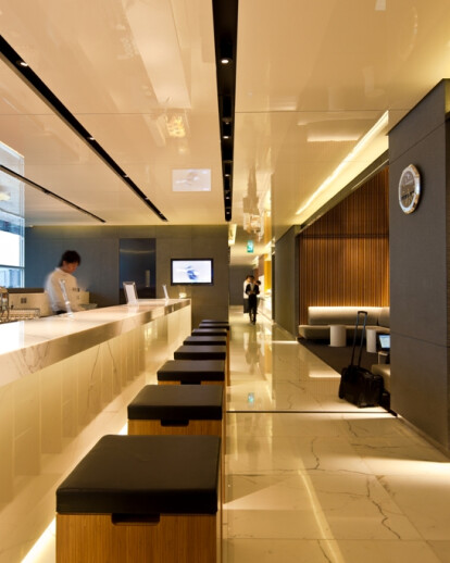 New Cathay Pacific lounge