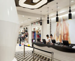 Glassons Flagship Store Broadway