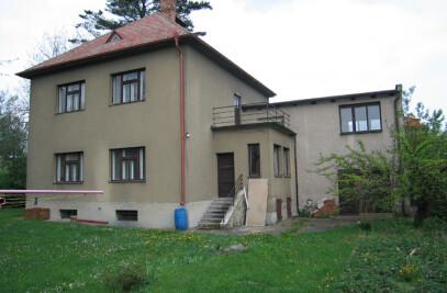 Villa in Roztoky