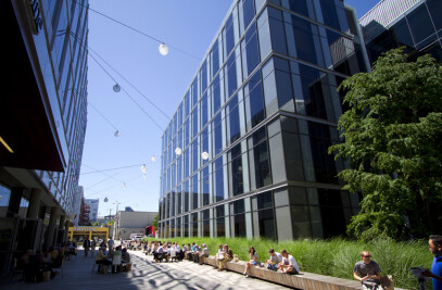 Third phase of university of washington medicine research complex