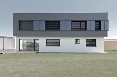 House MHG