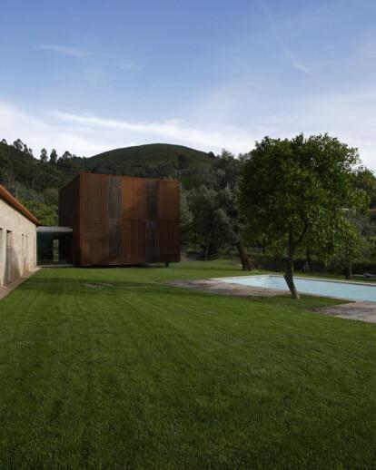 House in Sequeiros