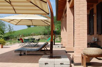 Arco, luxury Patio Umbrella