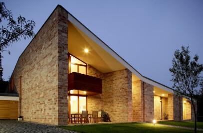 Csizmadia House