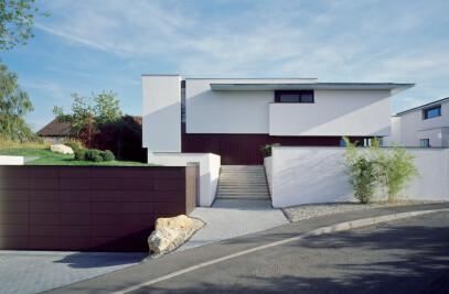 House Miki 1