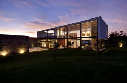 2V House