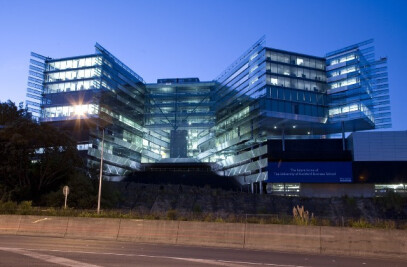University of Auckland Business School Complex in association with FJMT