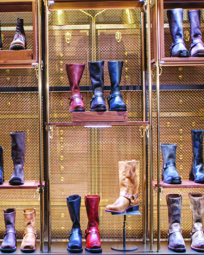 BANKER WIRE MESH MAKES FASHION STATEMENT AT FRYE STORE IN NEW YORK