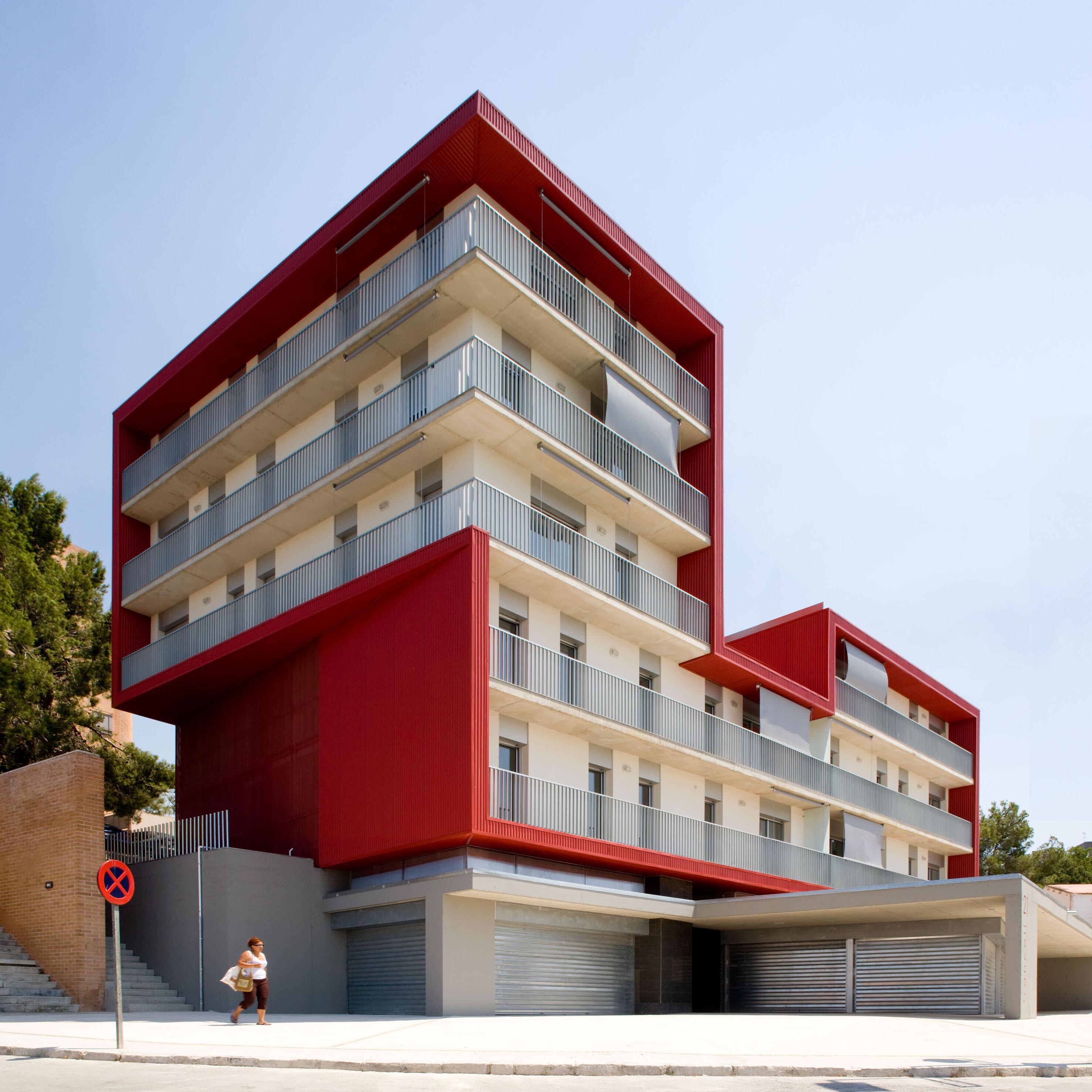 8 social housing centcelles