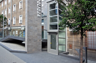 Voivodeship Police Headquarters in Poznań - conversion of main entrance and lobby
