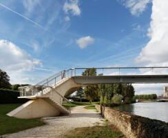 DVVD - Footbridge over the Marne in Meaux, France