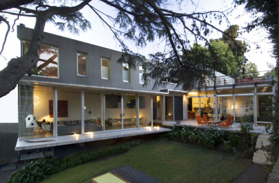 Tapiales House