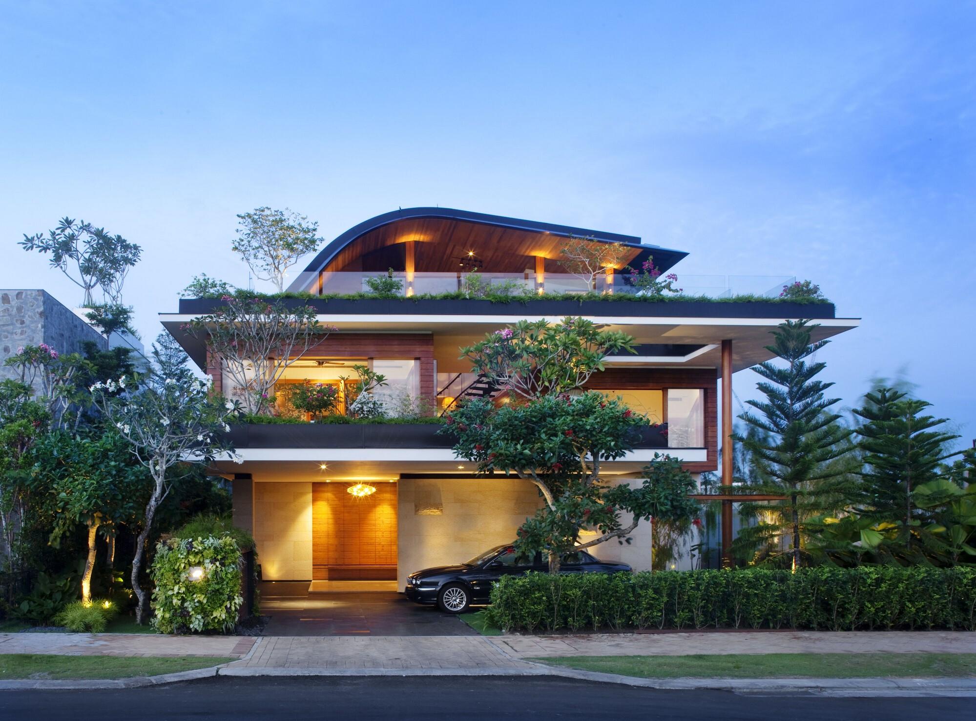 SKY GARDEN HOUSE (Meera House)