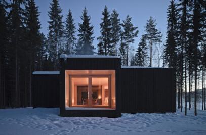 Four-cornered villa