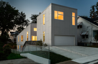 10 DEGREE HOUSE