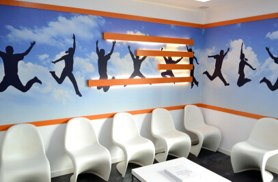 warm and welcoming physiotherapy clinic in Athens