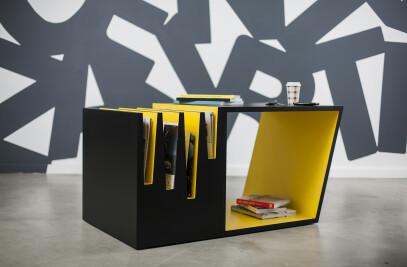 Comb coffee table