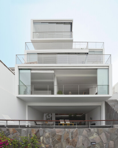 EL 22 HOUSE