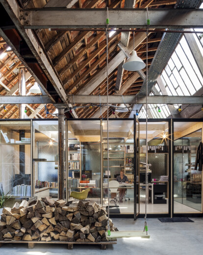 OFFICE SPACE INSIDE FORMER TEXTILE FACTORY