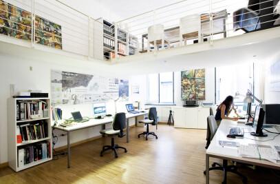 OFFICE IN GENOA
