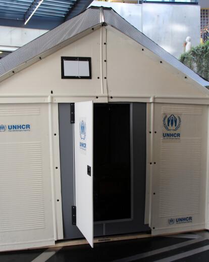 Flat-pack refugee shelters
