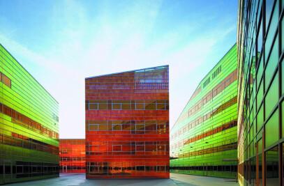 Iridescent foil facade system