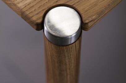 Naru Table