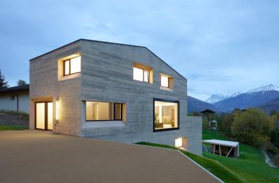 House MFG