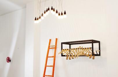 Kinetic dance of hangers