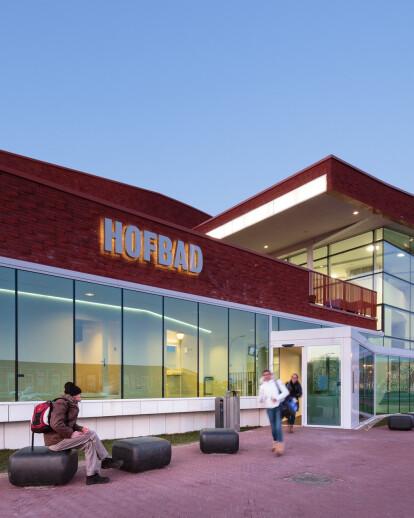 Hofbad aquatic centre