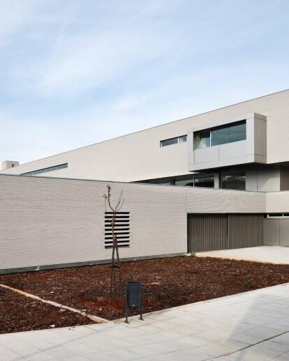 Clara campoamor health center