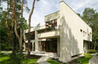 Stone Mansion in Konstancin