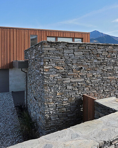 Lake Wakatipu house: Holiday house with a view