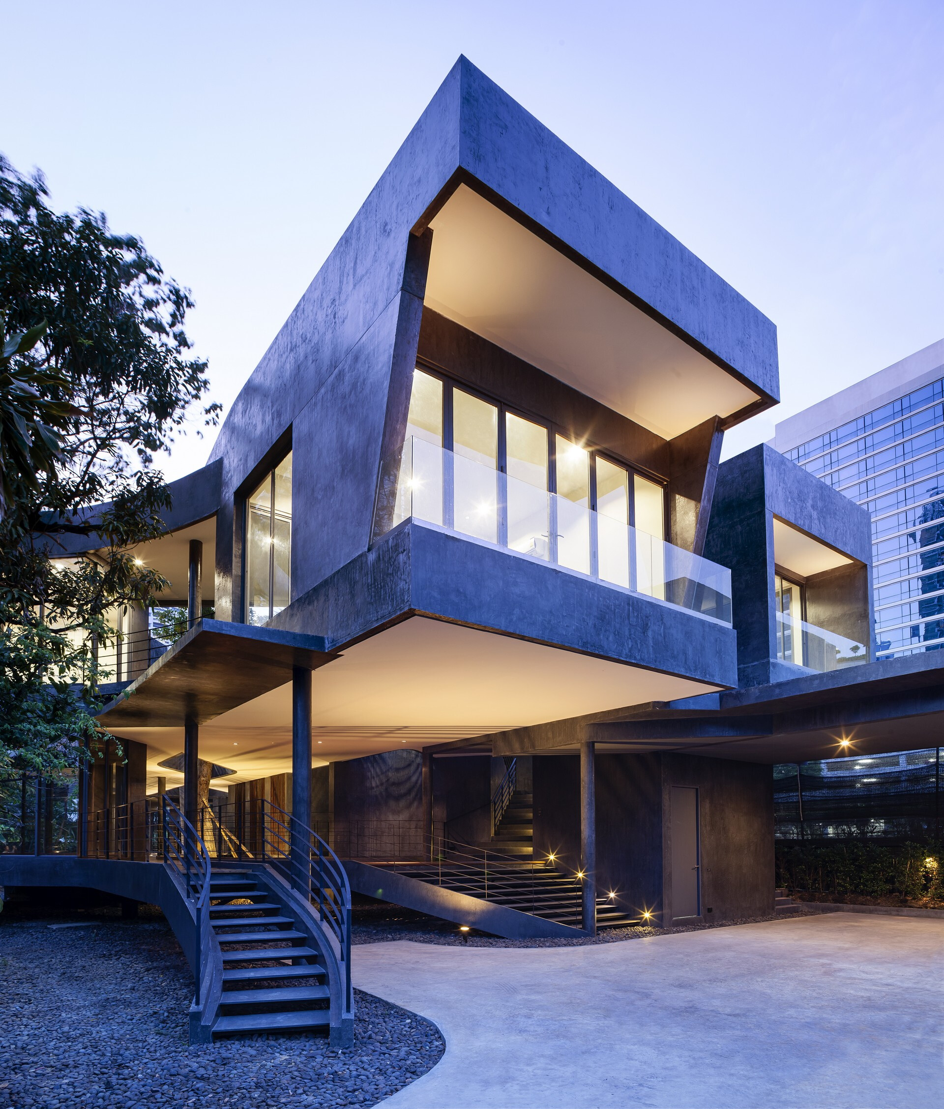 Divergence House