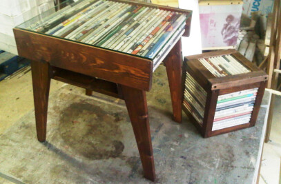 TAVOLINO newspaper coffee table