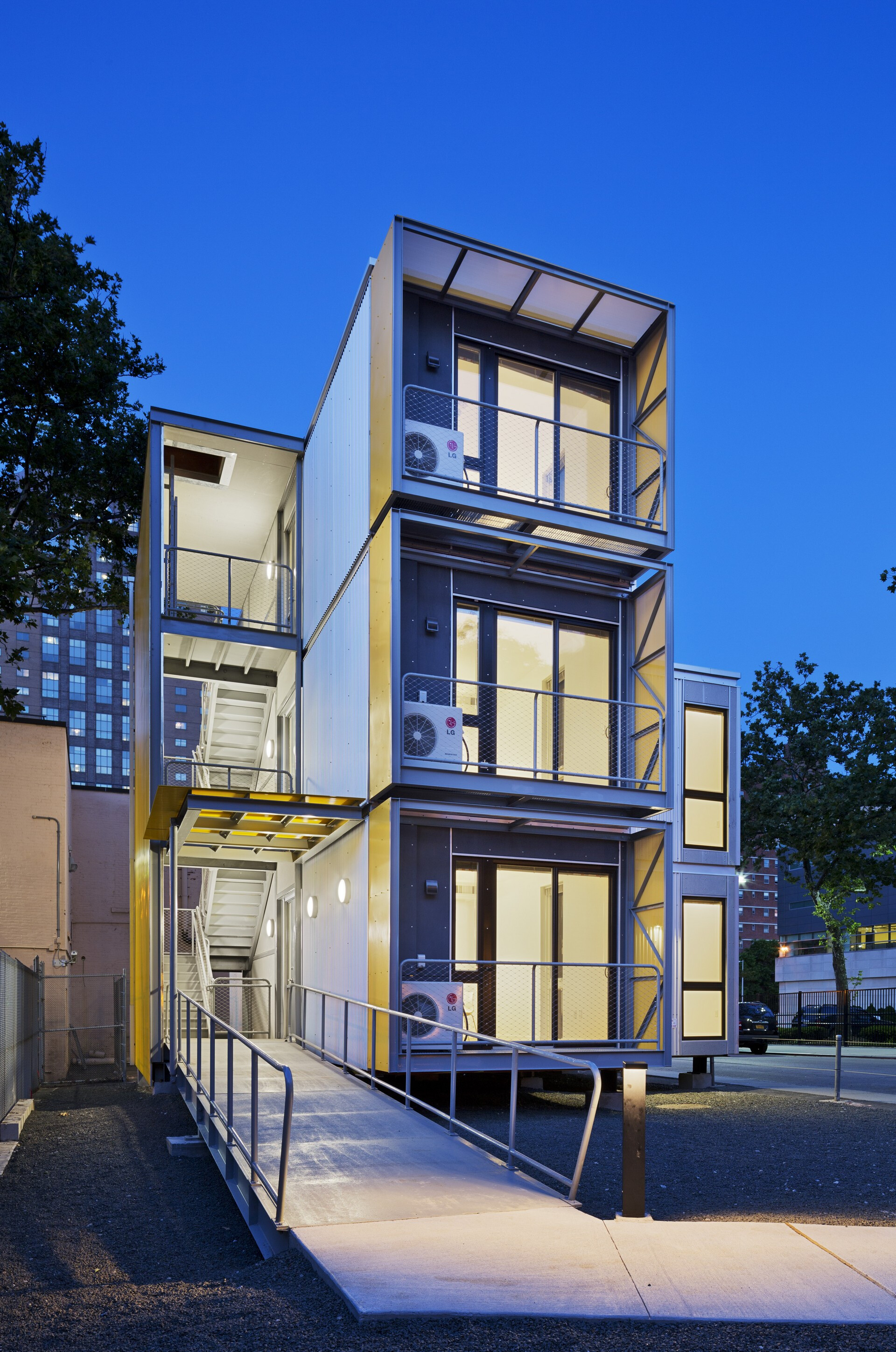 Prototype Affordable Housing For 21st >> Urban Post Disaster Housing Prototype Garrison Architects Archello