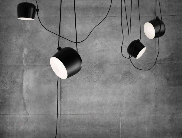 aim lamp black