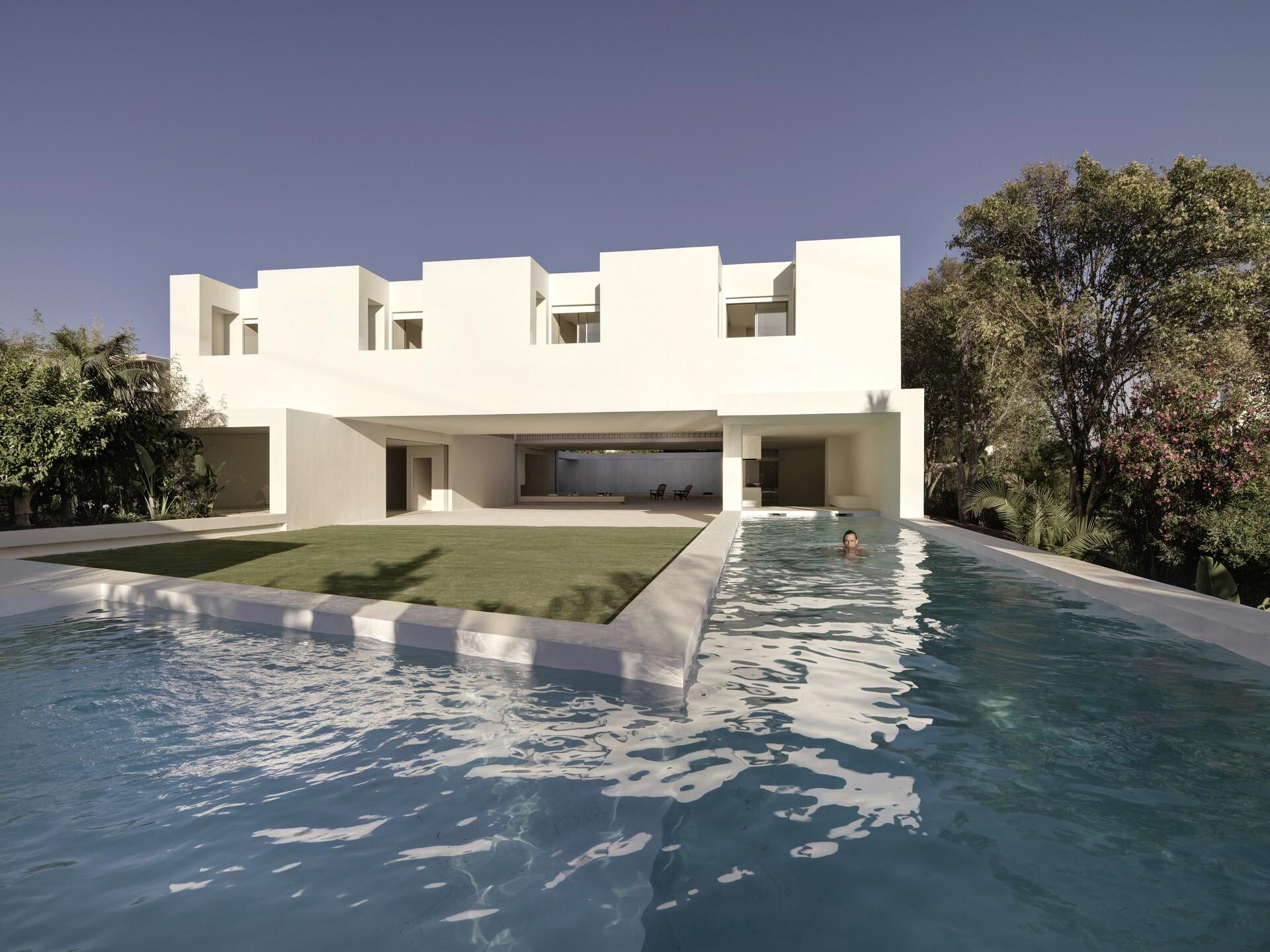 Los limoneros - house over a garden
