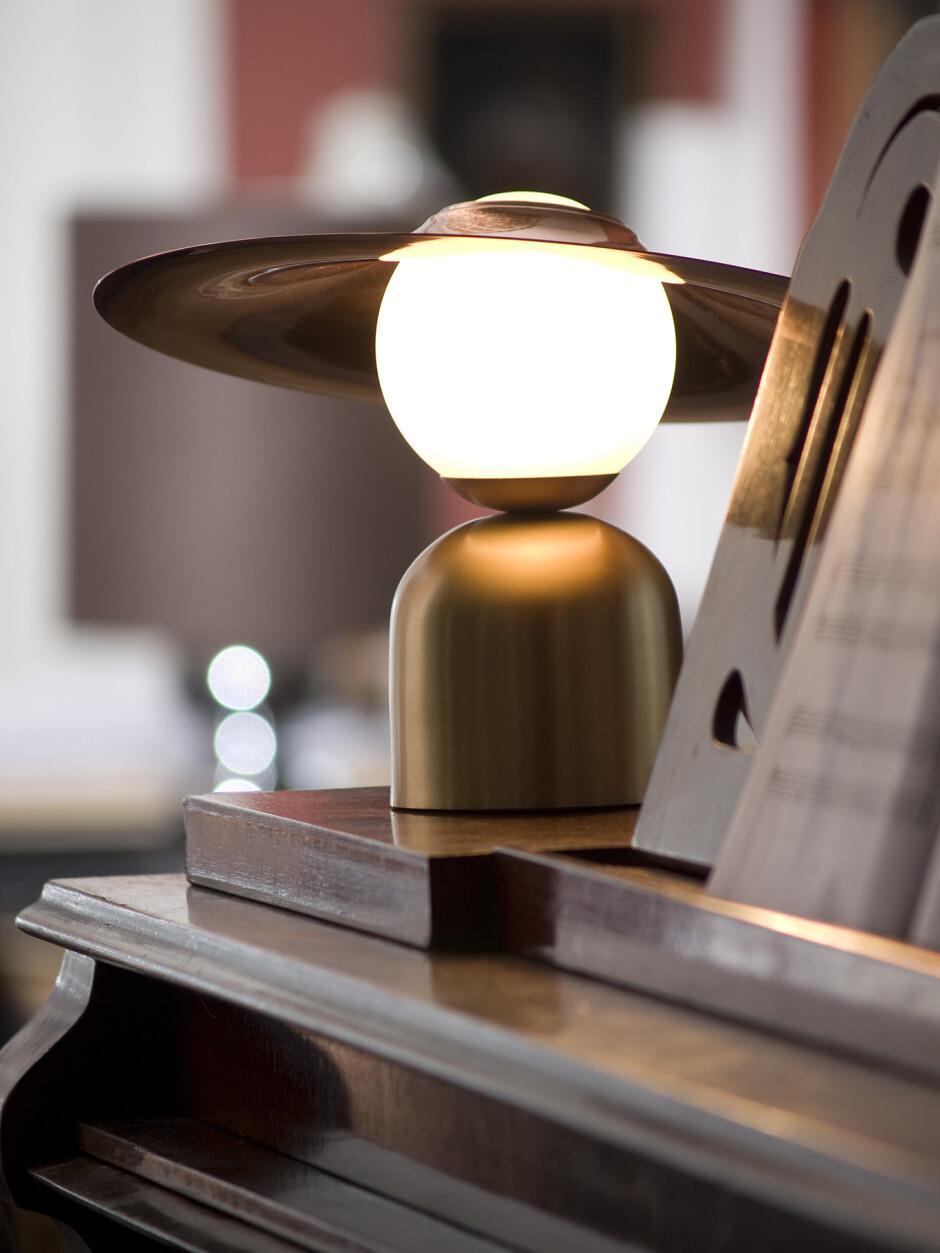 Intueri Light Studio