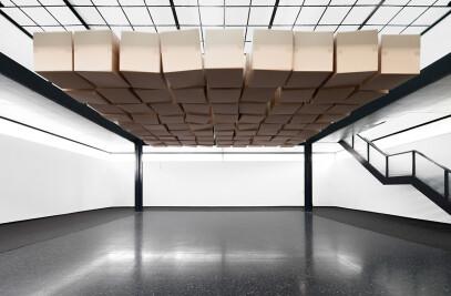 20 prepared dc-motors, 81 cardboard boxes 70x70x70cm
