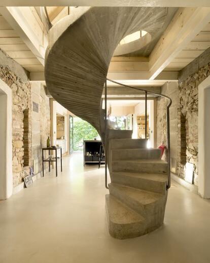 A1 HOUSE