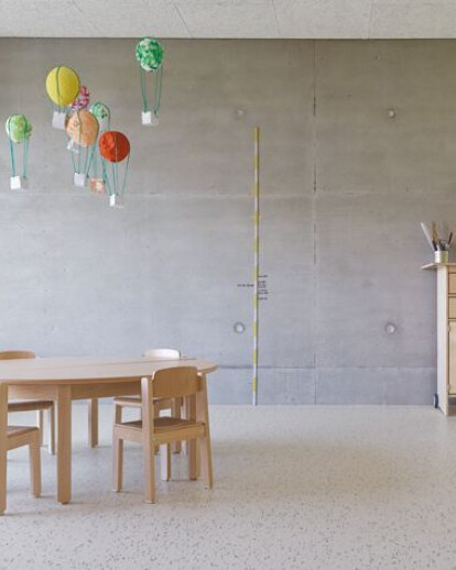 Nursery Flugfeld